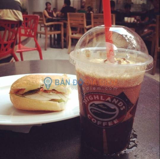 Highlands Coffee - Crescent Mall, Quận 7