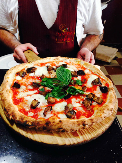 2. Neapolitan pizza, Italy  Its a favourite around the world, and its hard to go wrong with the simple magic of the Neapolitan pizza.